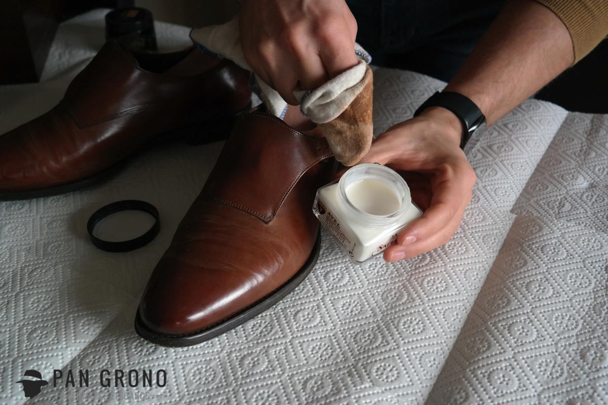 pastowanie czyszczenie butow renowator