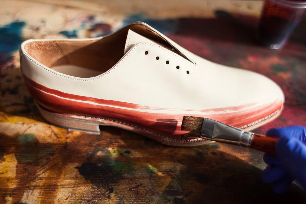 malowanie i patynowanie obuwia