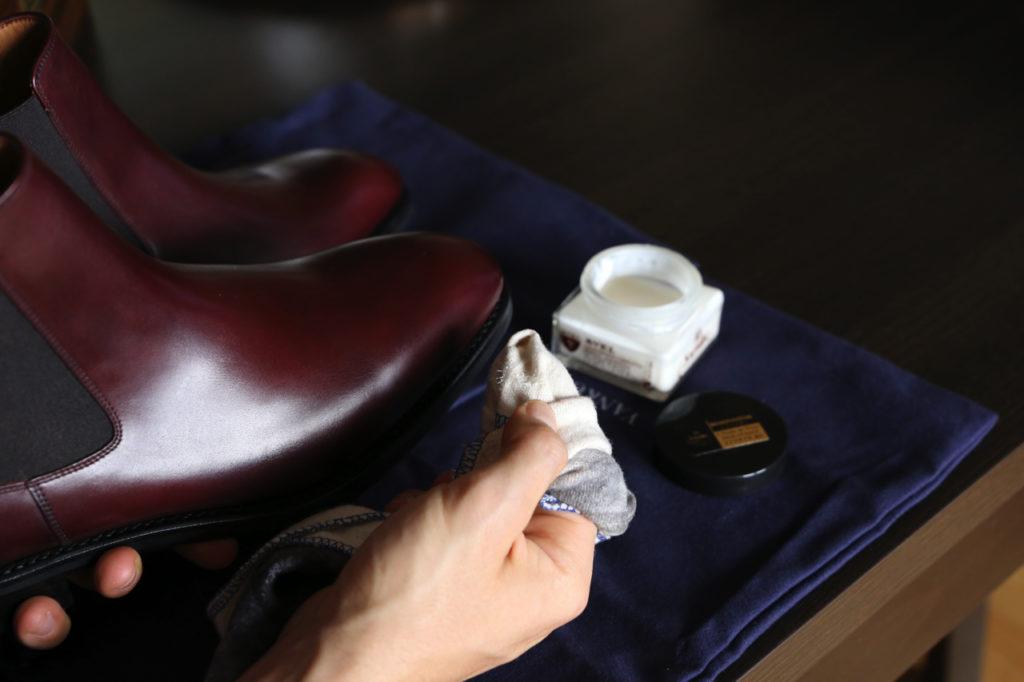 konserwacja obuwia renowator saphir