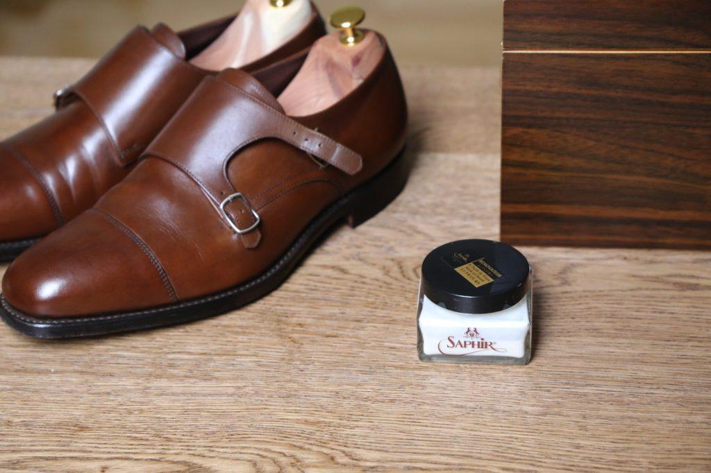 pastowanie butów renowator saphir