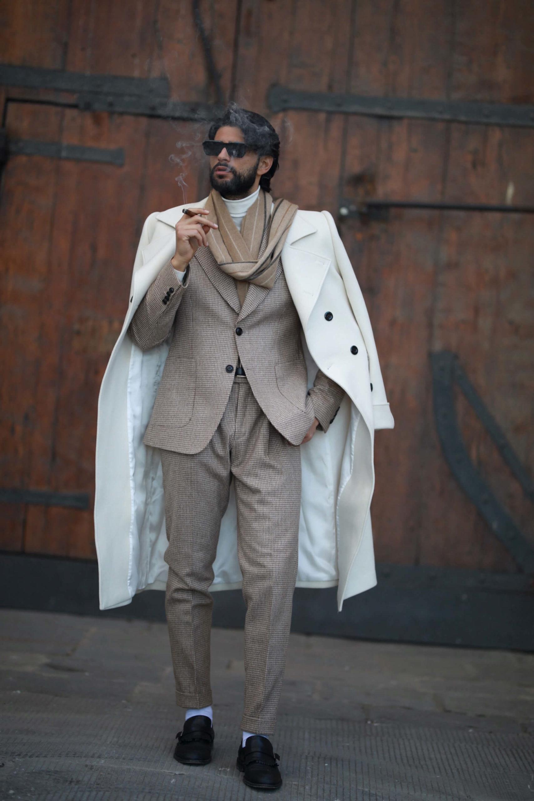 jasny płaszcz dwurzędowy